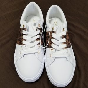NWOT Guess sneakers size 7